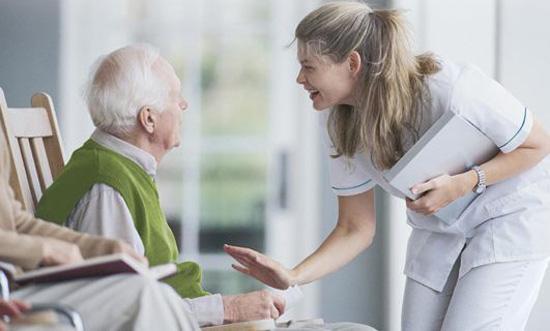 MSC Noticias - cuidador-de-pacientes-con-Alzheimer Agencias Com y Pub Comstat Rowland Negocios Publicidad Salud