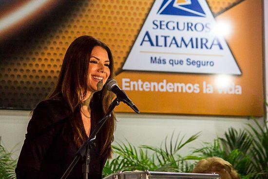 MSC Noticias - Albani-Lozada-imagen-de-la-marca Agencias Com y Pub Banca y Seguros Negocios Publicidad