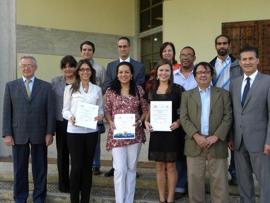 MSC Noticias - Ganadores-del-premio-junto-a-representantes-de-Tecnoconsult Agencias Com y Pub Press Realease Publicidad Tecnología