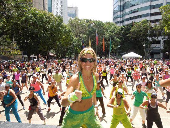 MSC Noticias - Zumba-DSCN1364 Agencias Com y Pub Estética y Belleza Publicidad Salud