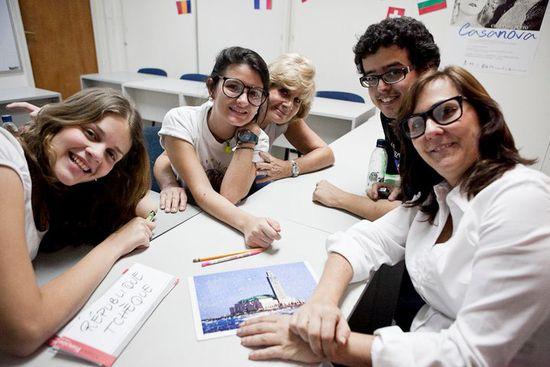 MSC Noticias - Estudiantes-Alianza-Francesa-1 Agencias Com y Pub Comstat Rowland Gastronomía Negocios Publicidad