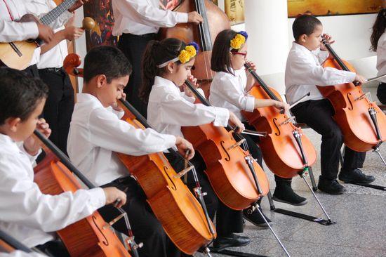 MSC Noticias - Sinfónica-Nacional-Infantil-de-Venezuela-Selección-40-Aniversario-2015-2 Agencias Com y Pub FUNDA MUSICAL Prensa Musica Publicidad