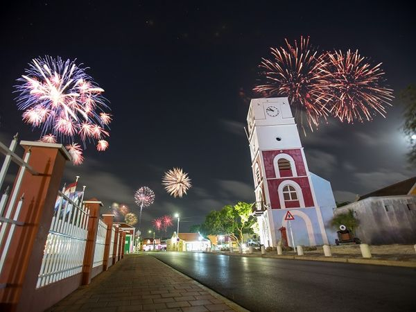 MSC Noticias Latinoamerica - Fireworks-New-Years-Traditions Aruba Ven - Grupo Proa Com Viajes